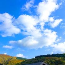 *【景観】周囲に広がる山々は、四季折々の美しさを感じさせてくれます。