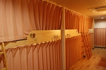 部屋 カーテン