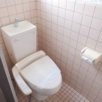 *【和室17畳トイレ】洗浄機付便座を完備しております