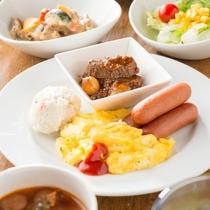 【無料朝食ビュッフェ】洋食盛り付け一例