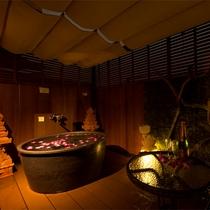 【客室お風呂】プラチナスイートの露天風呂