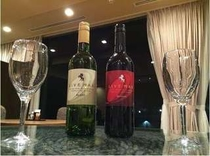 【LiVEMAXオリジナルワイン】赤・白をご準備しております