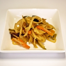 *【朝食一例】お客様の健康を考えたお惣菜など、1品1品手作りの朝食が揃います。