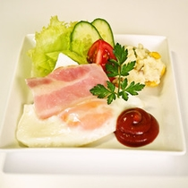 *【朝食一例】栄養バランスのとれた朝食を食べて、元気に出発!