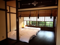 【上七軒-奥】2F寝室
