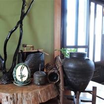 *館内一例/館内は木の温もりが感じられる雰囲気。心がなごみます。