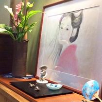 *館内一例/館内にはほっと心なごむ和の小物が飾られています。