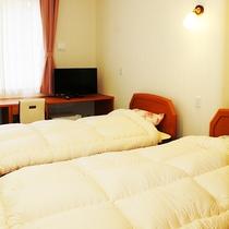 *【部屋/ツイン】お布団の上げ下げを気にせず、お休みいただきたい方にオススメのお部屋です。