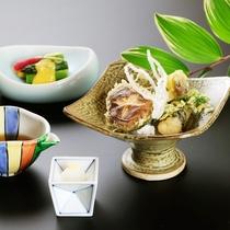 【松・華】季節のお野菜の天婦羅 酢の物 一例