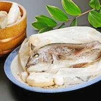 【アニバーサリー・竹】お祝いにぴったり、鯛の塩釜焼