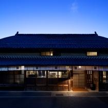 【ONAE(オナエ)棟】フロント・レストランを含む全5部屋の宿泊棟。