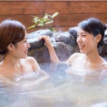 【客室露天風呂一例】美肌の湯を好きなだけ堪能!ゆったりと湯浴み♪(岩風呂は2室限定※指定不可)