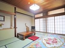 【本館 和室10畳一例】畳の香りに癒されます。