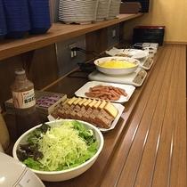 朝食は無料!バイキングでお召し上がりいただけます♪