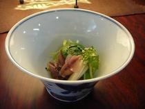 ほたるいかと山菜の小鉢