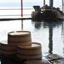 湖上露天風呂:朝陽 朝 桶