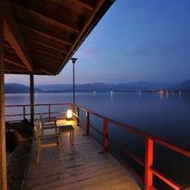 湖上露天風呂:朝陽 朝方
