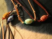 【とんぼ玉】湯原民俗資料館でトンボ玉とステンドグラスのガラス作り体験もできます。