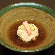 (晩秋)先付 津和井蟹東寺蒸し 鼈甲餡 酢橘