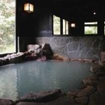 大露天風呂「さくら湯」の美人湯