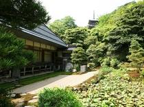 蓮乗院の書院と鶴亀の庭