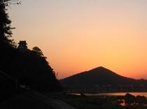 夕日 旅館前の木曽川から