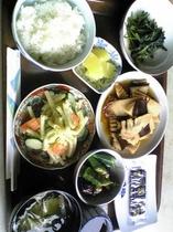 あ夏の朝の、和食  ( 7:30〜9:00  一階食堂でご用意いたしております。)
