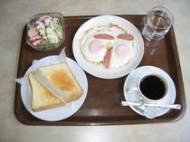 朝食(洋食)  ( 7:30〜9:00  一階食堂でご用意いたしております。)