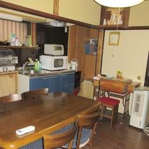 【キッチン】電子レンジやIHコンロなど台所用品を完備