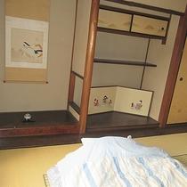 【客室】夜は布団でゆっくりとお休みください