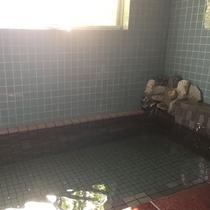 【男性浴場】足もしっかり伸ばせるので極楽入浴♪