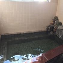 【女性浴場】こじんまりとしてますが滞在中いつでも入浴可能!