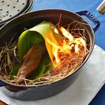 *【夕食一例】宮古牛スモーク。餌である干し草に燻製香を付ける事により一層の旨味が肉の表皮につきます。