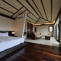 *【客室】清潔感のある広々としたお部屋。ソファに座ってのんびりと過ごすのもいいですね。