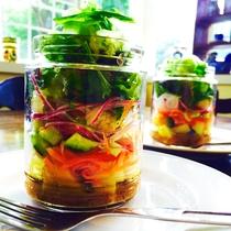 ある日のカフェメニュー≪メイソンジャー サラダ≫※画像は一例です※