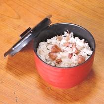 *【お料理一例】コリコリした食感がたまらないタコ飯