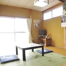 *【客室一例】お部屋にバス・トイレ、洗面は完備しておりません