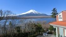 ホテルから望む富士山