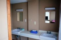 12畳和室 洗面所