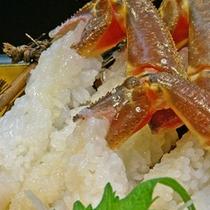 活け蟹のカニ刺し