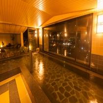 男性大浴場 内風呂 夜