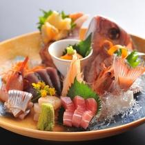 【酒膳たけ(ご案内)】アラカルトでも注文が可能です/例:鮮魚の盛り合わせ