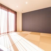 【和洋室(デラックス)】10畳の和室でお寛ぎ頂けます!