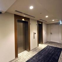 客室フロア・エレベーターホール(2F~13F)