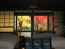 客室から見る紅葉