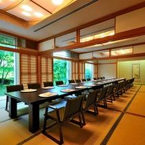 """*日本料理""""四季""""/お祝いの席にピッタリ!お座敷は新緑が美しい趣ある和空間。"""