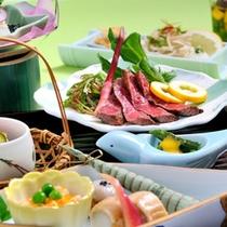 """*日本料理""""四季""""/季節の旬味と地元の食材を活かした和会席料理をご堪能下さい。"""