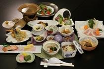 *【ご夕食一例】地元庄内の旬の食材をご提供しております。