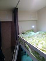2段ベットの個室エアコンなし