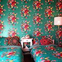 *ファミリールーム一例/シングルベッド2台と2段ベッドのある、ご家族向けのお部屋です。